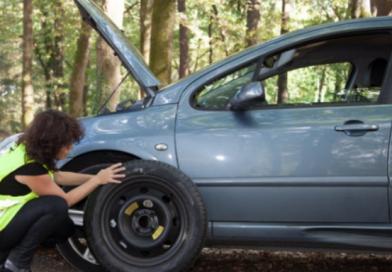 Comment changer un pneu crevé